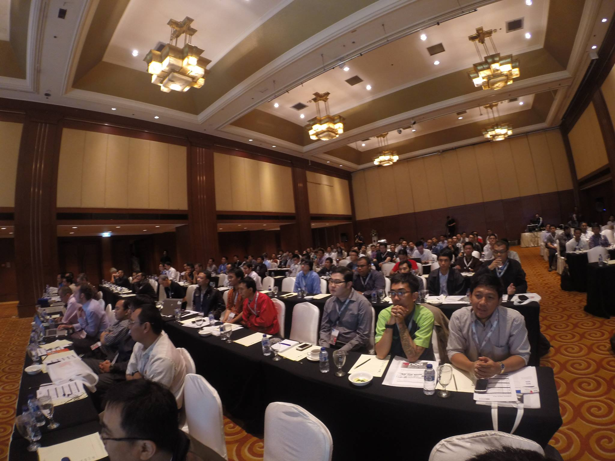 The attendees of the first IDNOG 2014